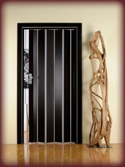 Сплошные деревянные двери-гармошка