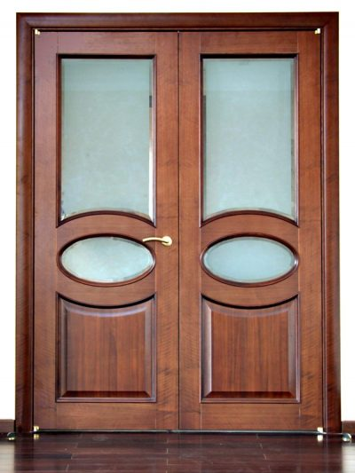 Классический вариант двупольных дверей