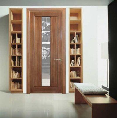 Двери из Эко-Шпона Это новейший материал,  полипропиленовая пленка. Дверь, покрытая эко шпоном, не отличается на вид от той, которая покрыта натуральным шпоном. Это покрытие долговечно, в отличие от натурального шпона не затирается и не трескается. Стоимость от 2600 рублей. Двери из натурального дерева