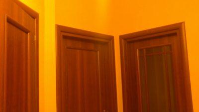 Двери, вид в коридоре