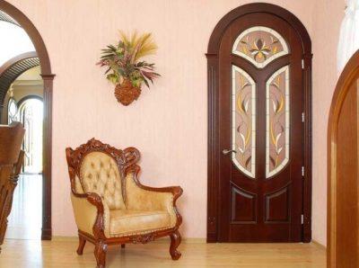 Удачно подобранная дверь волшебным образом меняет комнату