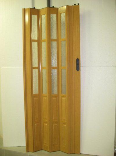 Деревянные двери-гармошка