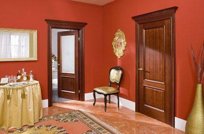 Межкомнатная дверь из вишни