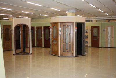 Межкомнатные двери в салоне