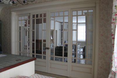 Раздвижная дверь в прованском стиле