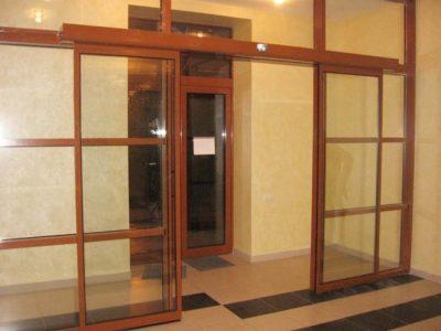 Межкомнатная дверь (стеклянная)