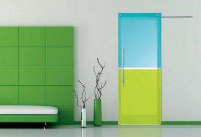 Двухцветная дверь