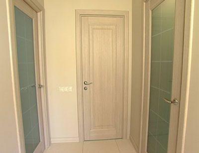 Межкомнатные двери из светлого дуба шпонированные