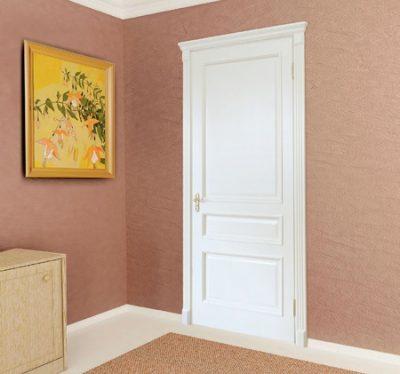 Классическая дверь в интерьере
