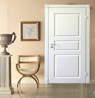 Межкомнатная дверь белого цвета
