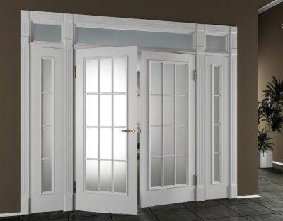 Классика южных штатов - двустворчатые двери с матовым стеклом