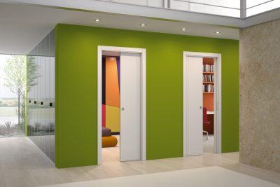 Сдвижные конструкции могут органично вписаться в интерьер и дополнит дизайн помещения