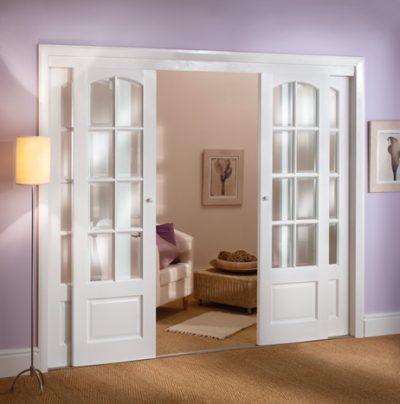 Белая раздвижная межкомнатная  дверь
