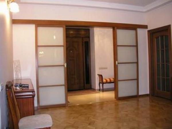 Раздвижные двери в зал
