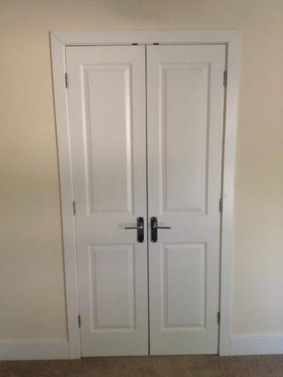 Двухстворчатые узкие двери