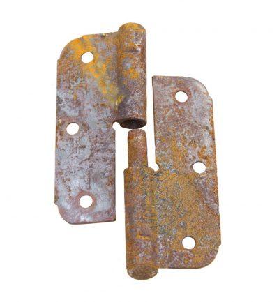 Ржавые петли – самая частая причина скрипа дверей