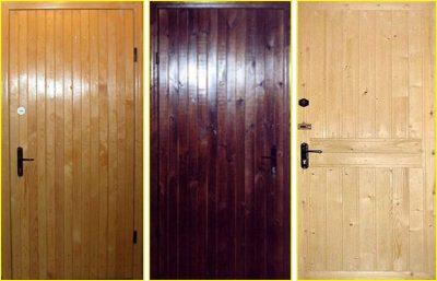 Обшивка входной двери с внутренней стороны деревянной вагонкой