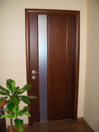 Изящные межкомнатные двери, который отличаются созданием из массива и высоким качеством