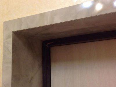Обшивка белой ламинированной доской