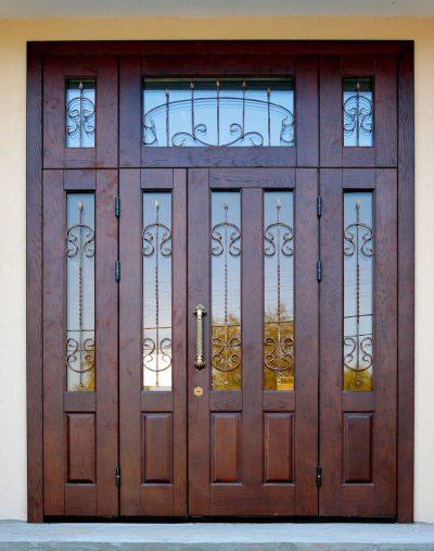 Дверь со вставками сверху и по бокам
