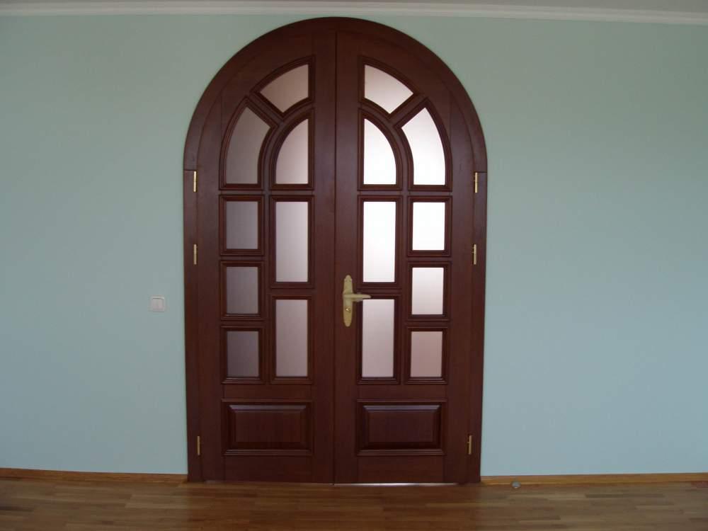Дверь арочного типа