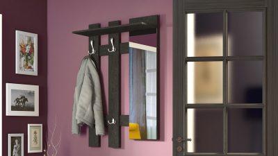 Интересная прихожая с размещением зеркальной поверхности в качестве своеобразного декора