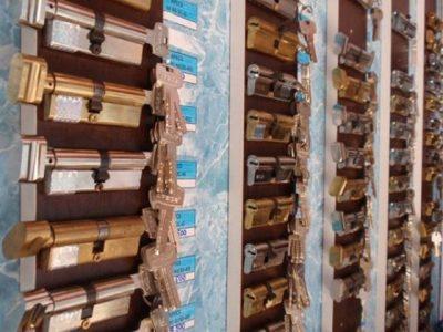 Разнообразие цилиндровых секретных механизмов в магазине