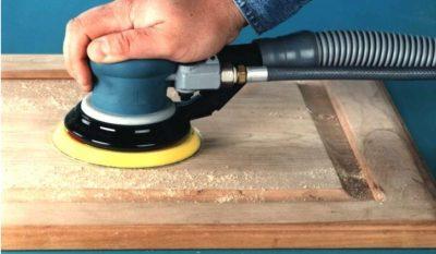 Шлифовка поверхности с помощью шлифмашинки