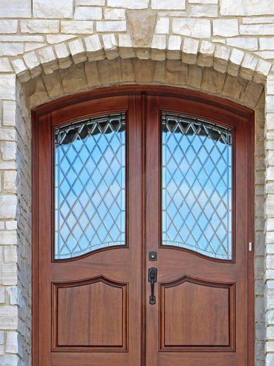 Деревянные арочные двери