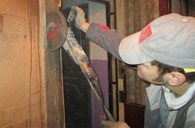 Удаление старого дверного короба