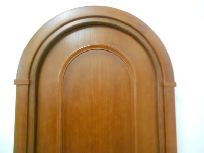 Полуциркульная дверь
