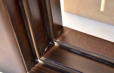Дверь с резиновым уплотнителем