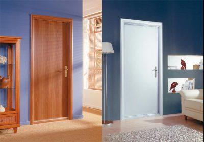 Интересная модель межкомнатной двери из материала ДВП в интерьере помещения