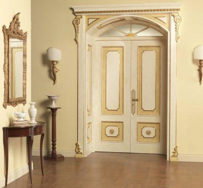 Итальянские двустворчатые двери с позолотой
