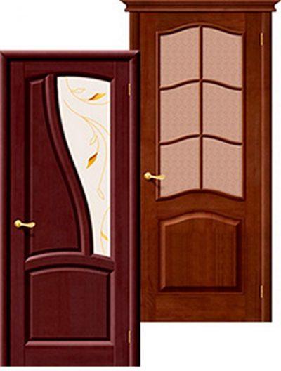 Одностворчатая дверь в зал из дерева