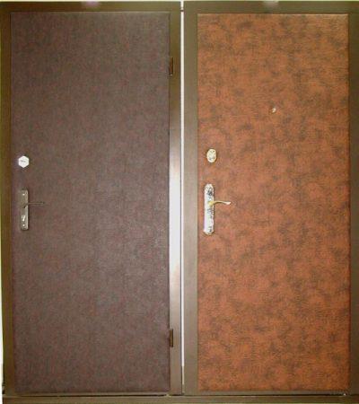 Бронированная входная дверь с отделкой из виниловой кожи