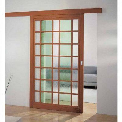 Дверь с прозрачной створкой