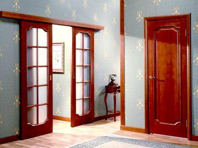 Разные дверные полотна в квартире