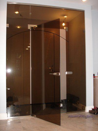 Тонированное покрытие дверей