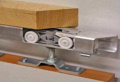 Детальный вид роликового механизма в сборке