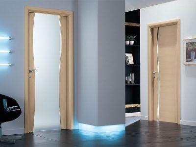 Монтажные комплекты можно использовать для любых типов межкомнатных дверей.