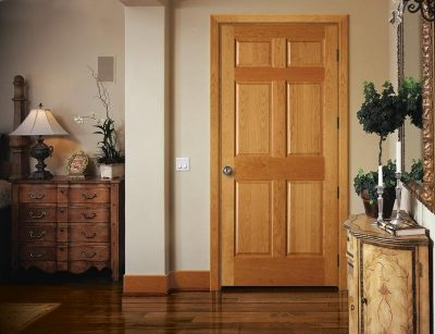 Роскошный вариант дверной модели из ДВП, которая эффектно дополняет собой любое помещение