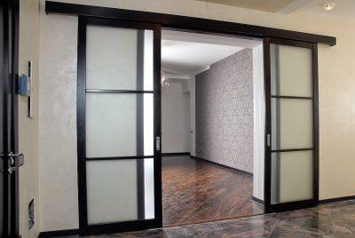 Алюминиевый элемент под потолок в стиле High-tech