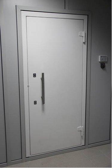 Бронированная дверь 2 класса