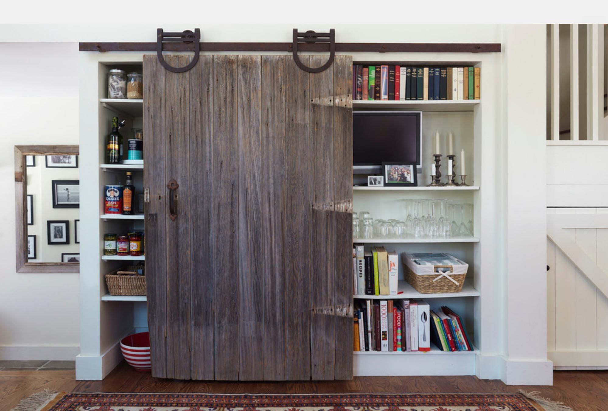 Навесная дверная конструкция