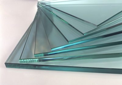 Обычное стекло нецелесообразно применять для остекления двери
