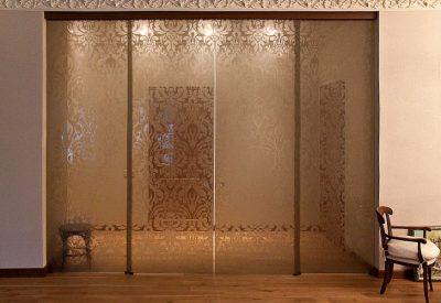 Конструкция с ламинированным стеклом