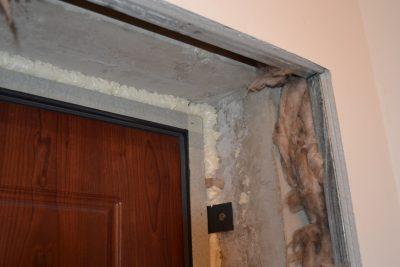 Как обшить дверной проем панелями