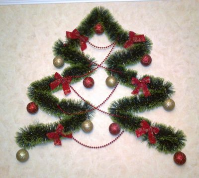 Самостоятельное украшение дверного проема к новогодним праздникам