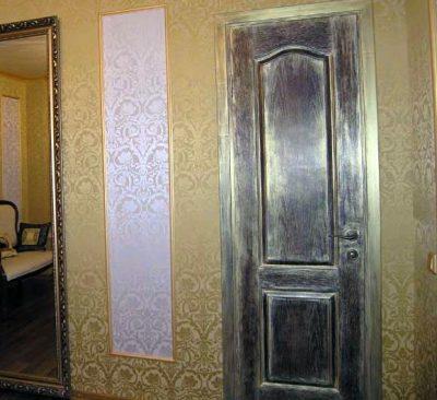 Как облагородить дверь своими руками